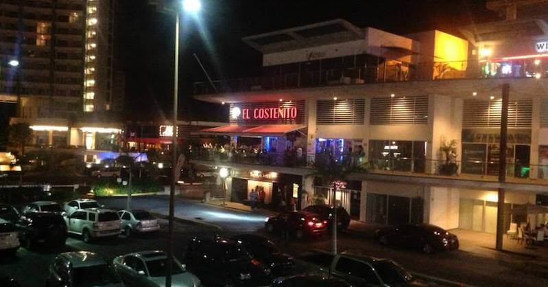 Bar Plaza Solare em Cancún