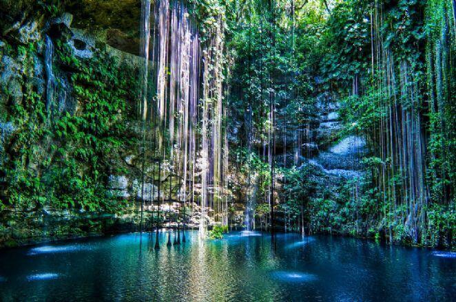 Cenotes no verão em Cancún