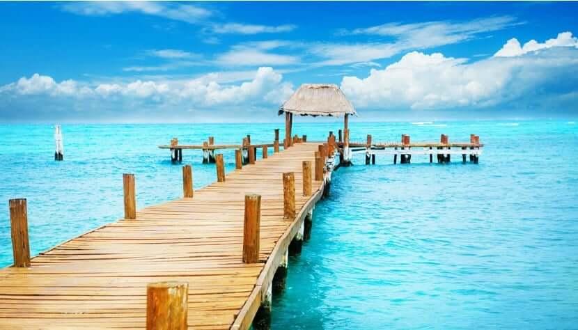 Valor médio de uma passagem aérea para Cancún