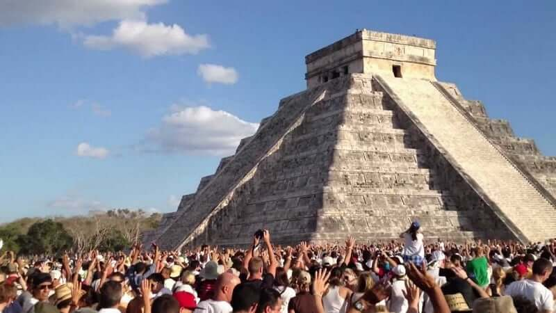 Beleza das pirâmides maias próximas à Cancún