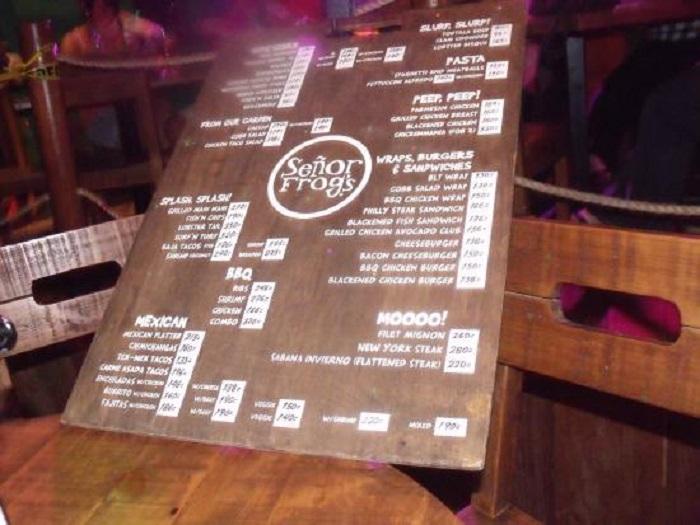 O que comer/beber na balada e bar Señor Frog's em Cancún
