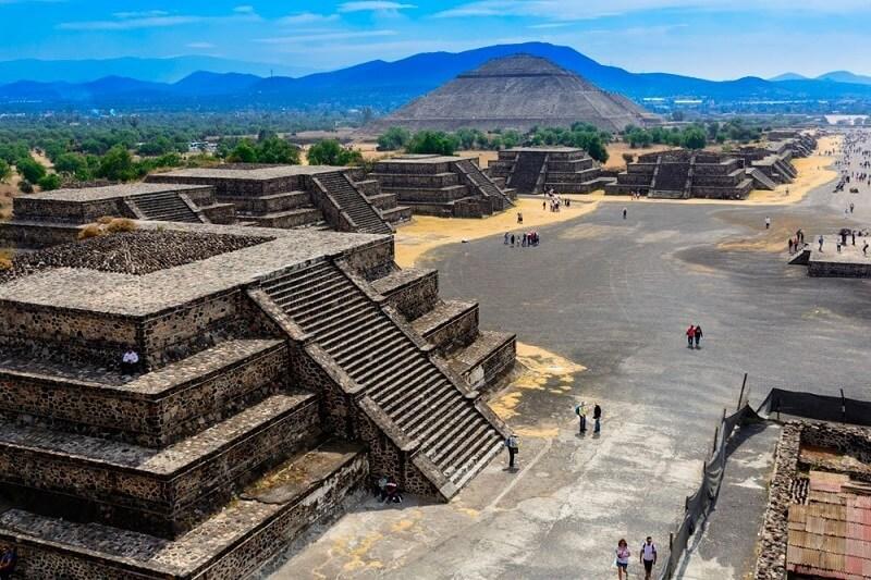 Pirâmides de Teotihuácan em um passeio romântico pela Cidade do México
