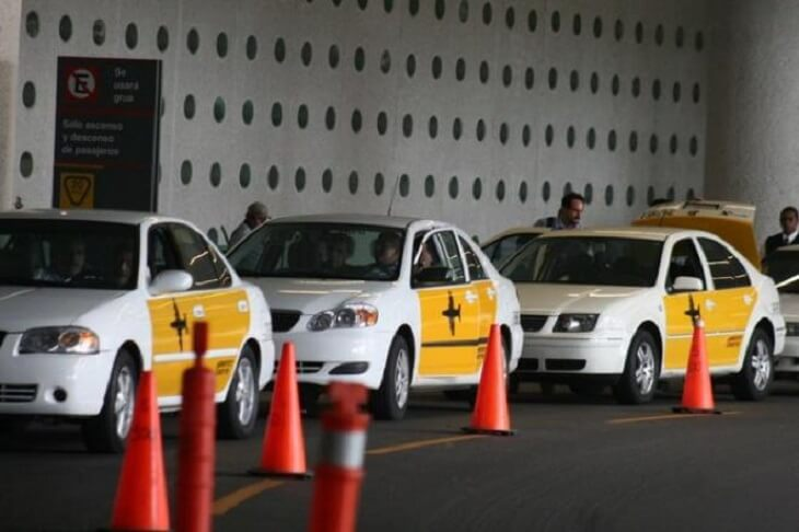 Ir do aeroporto da Cidade do México até o centro histórico de táxi