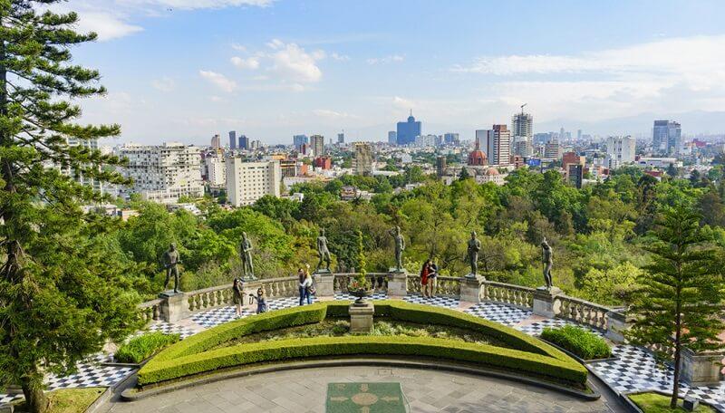 Verão no Bosque Chapultepec na Cidade do México