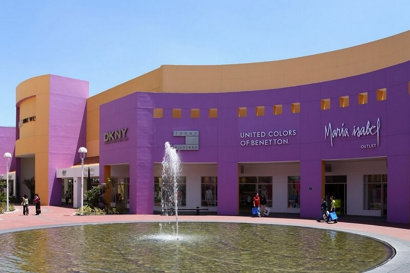 Compras de sapatos no Premium Outlets Punta Norte na Cidade do México
