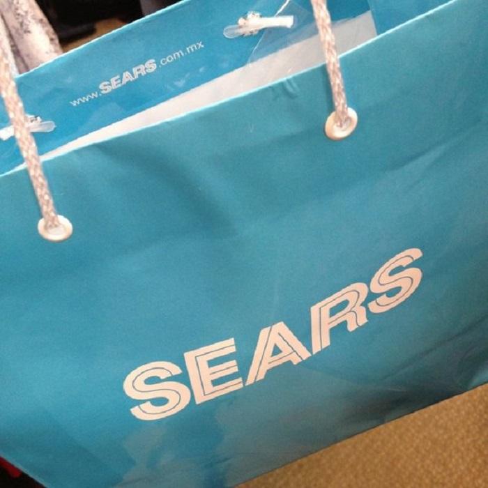 Compras de maquiagens na Sears na Cidade do México