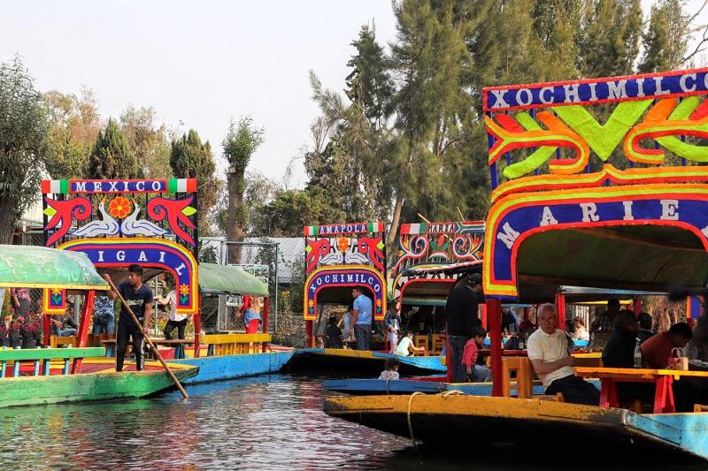 Verão passeando no Xochimilco na Cidade do México