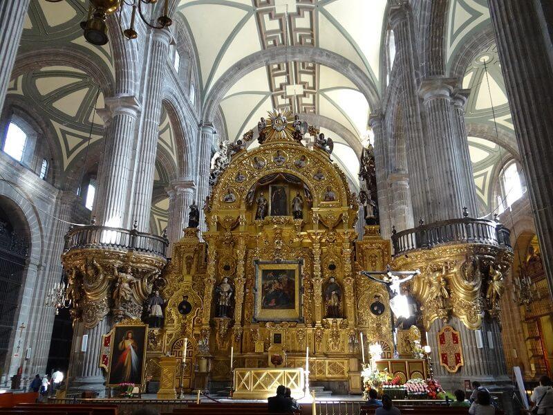 Catedral Metropolitana na Praça Zócalo na Cidade do México