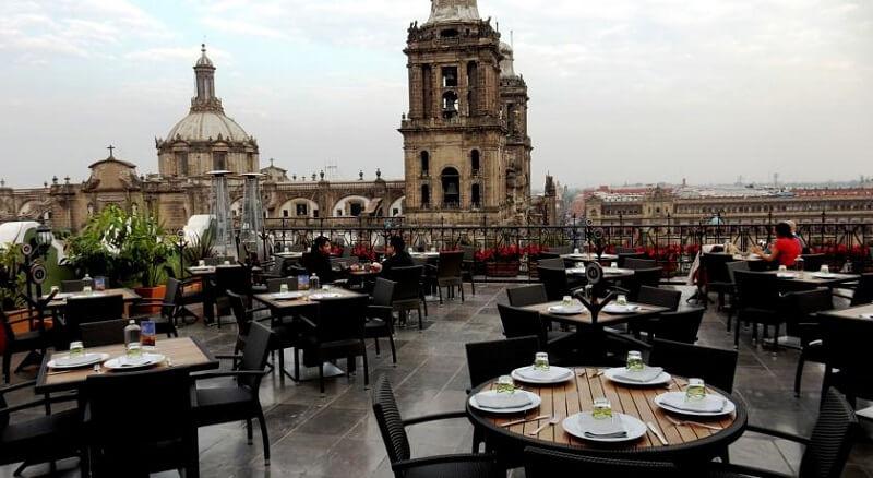 Centros gastronômicos na Praça Zócalo na Cidade do México