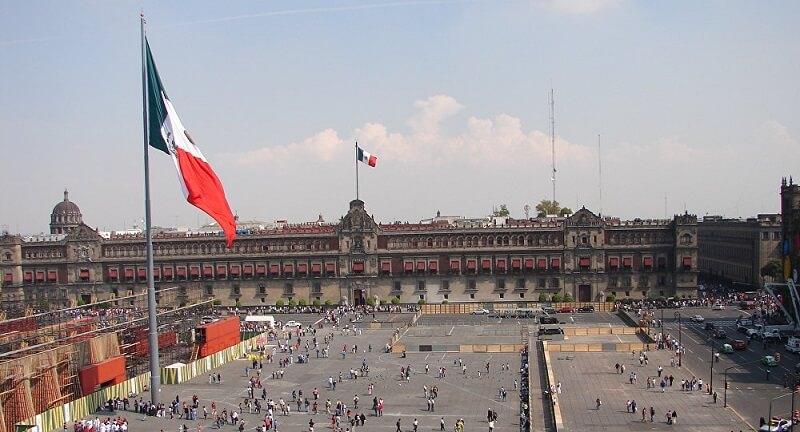 Estrutura da Praça Zócalo na Cidade do México