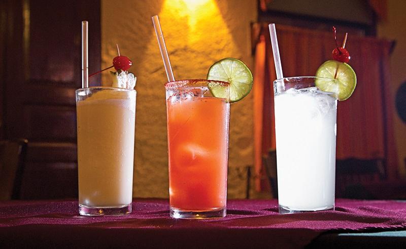 Batey Mojito & Guarapo Bar para disfrutar de la noche en Tulum