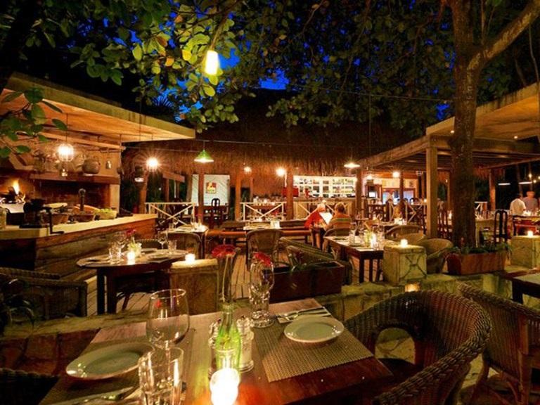 Restaurante Casa Banana para disfrutar de la noche en Tulum