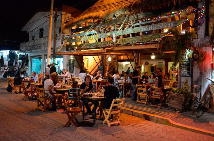 Centro para disfrutar en la noche en Tulum