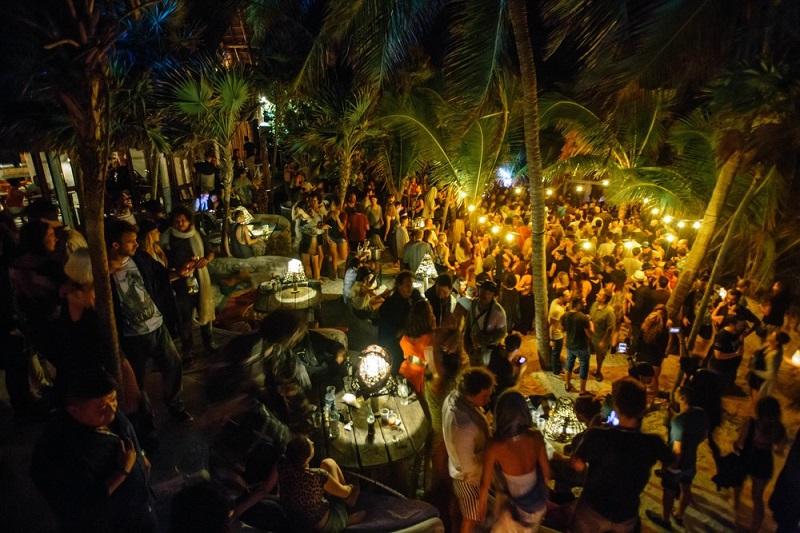 Papaya Playa Project para disfrutar en la noche en Tulum