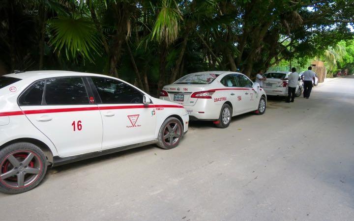 Andar de táxi em Tulum