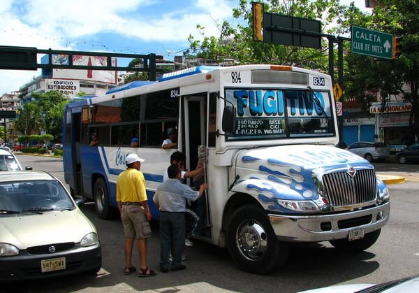 Andar de ônibus em Acapulco