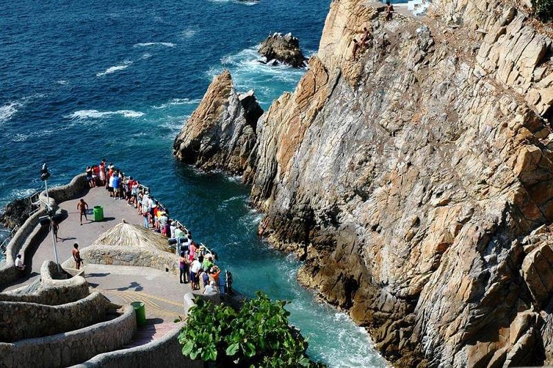 Ir com crianças em La Quebrada em Acapulco