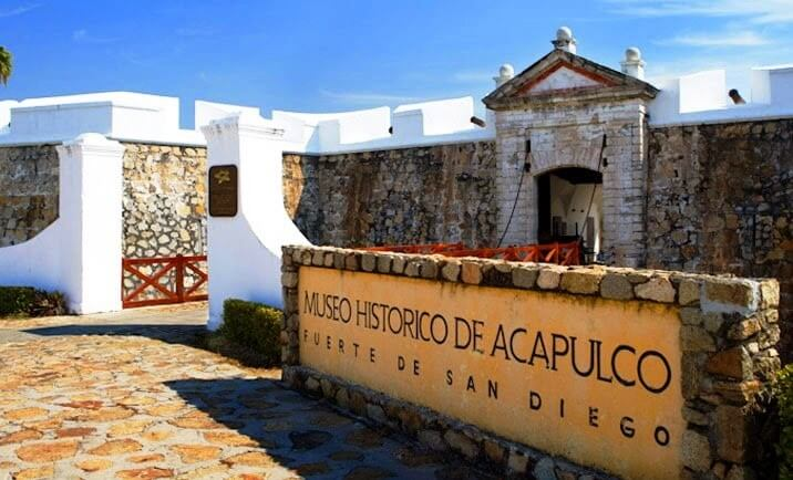 Lua de mel no Forte de San Diego e Museu Histórico de Acapulco
