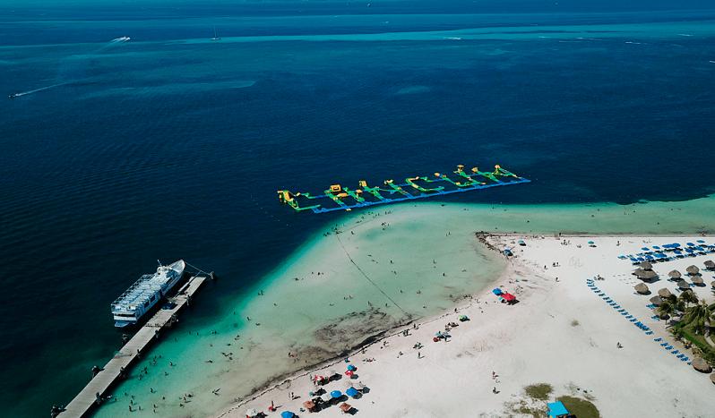 Estructura de Playa Langosta en Cancún