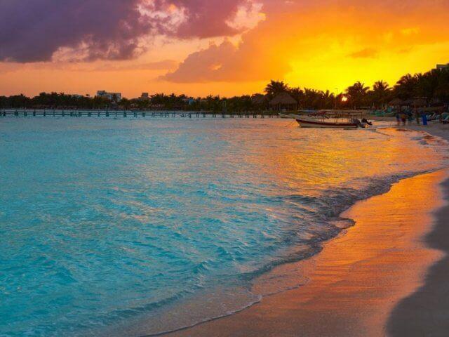 Cancún em junho