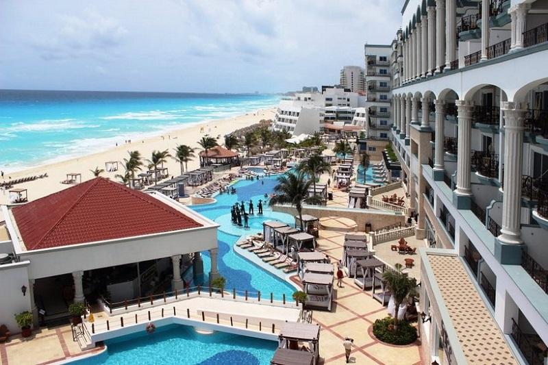 Movimiento de turistas y hospedajes en el mes de Julio en Cancún