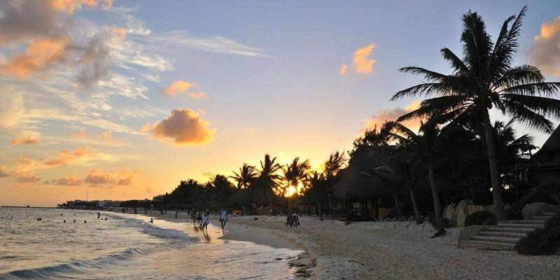 Movimiento de los turistas y hospedaje en Octubre en Cancún