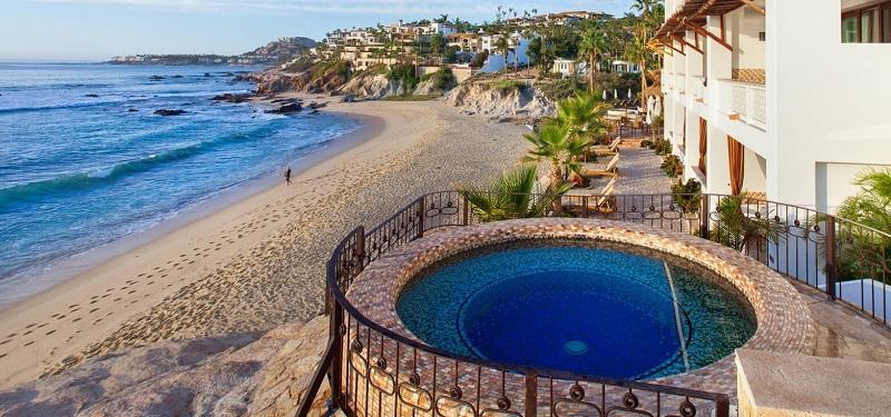 Fachada del Cabo Surf Hotel en Los Cabos en San José del Cabo