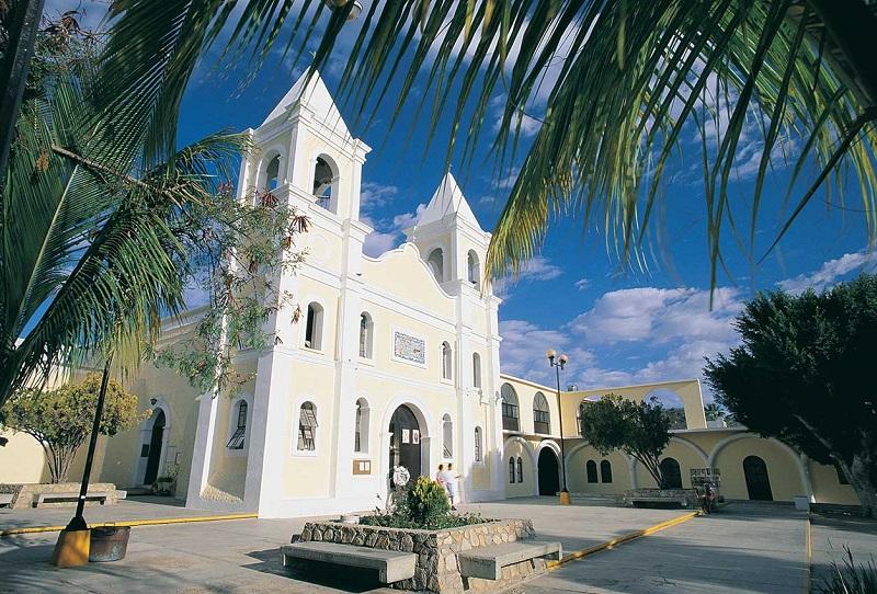 Passeio pela Plaza Mijares e Missão Jesuítica em uma lua de mel em Los Cabos