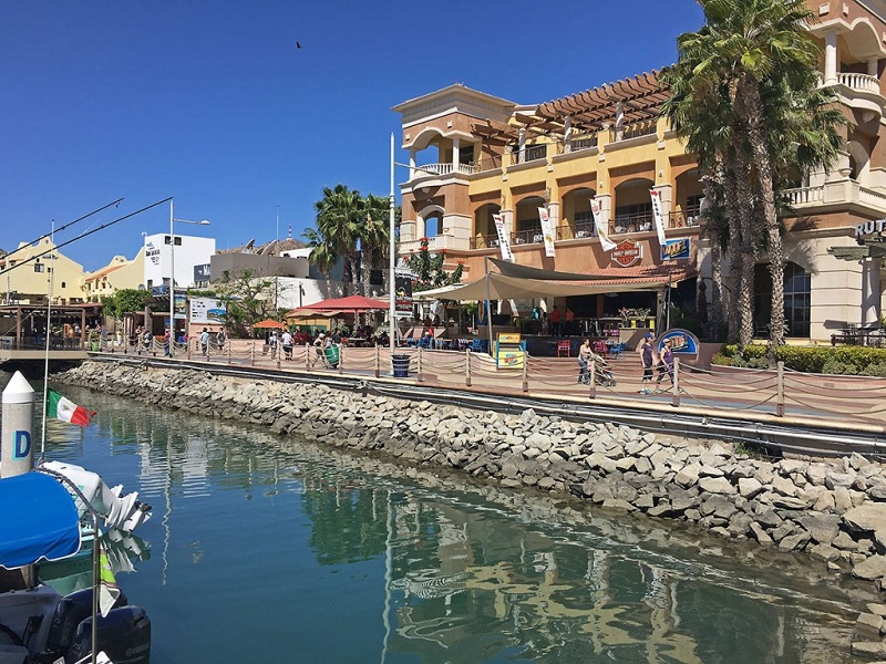 Puerto Paraiso Mall en Los Cabos