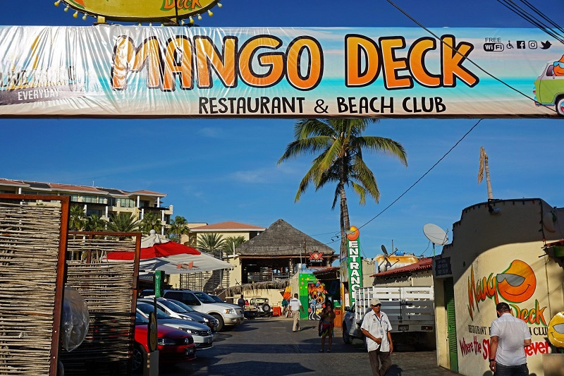 Fachada del Mango Deck Restaurant, Bar & Beach Club