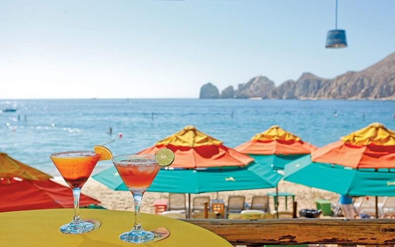 Bebidas en el Mango Deck Restaurant, Bar & Beach Club en Los Cabos