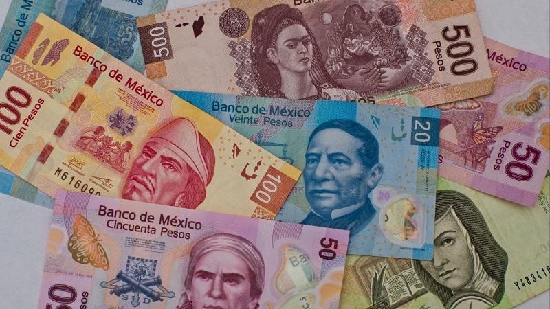 Pesos mexicanos en especie