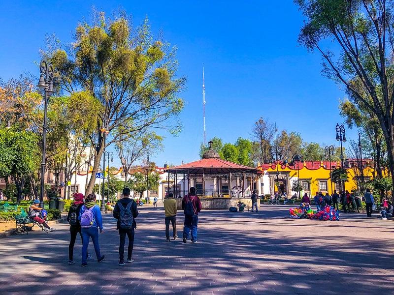Turistas paseando en México