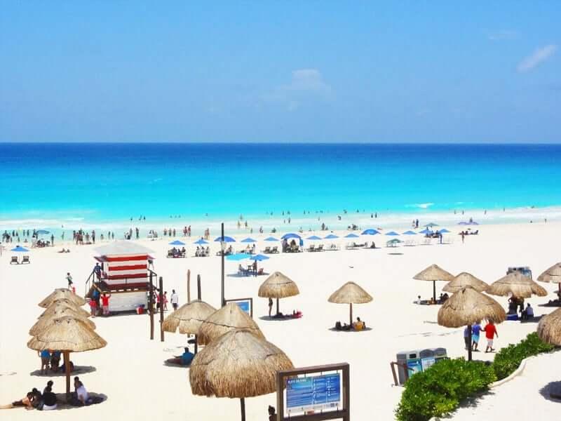 Playas más bellas de México: Playa Delfines en Cancún