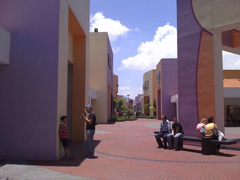 Área del Premium Outlet Punta Norte en Ciudad de México